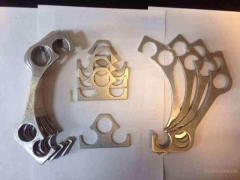 Kit of shims under the cylinder head of the engine